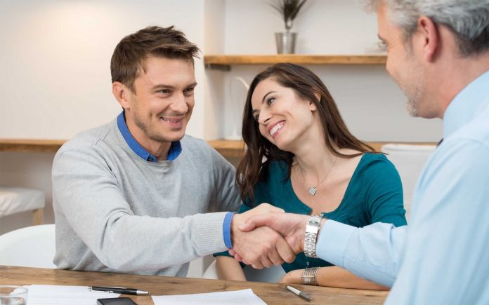 How To Become An Insurance Agent With Your Clients' Best ...